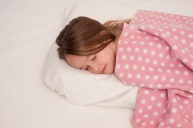 よく眠る女の子