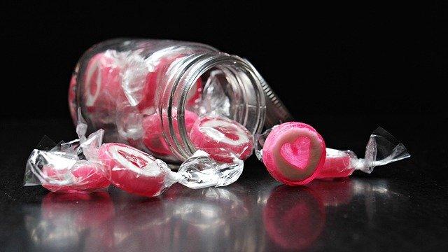 ハートのキャンディがこぼれる